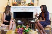 Ảnh: Bà Obama gặp vợ ông Trump, nói chuyện con cái