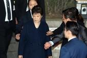 Bà Park lấy tiền đâu trả cho 14 luật sư?