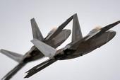 Mỹ tung F-22 chặn 2 oanh tạc cơ Nga áp sát biên giới