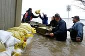 Lụt kinh hoàng nhất lịch sử Canada, 1.900 người mất nhà