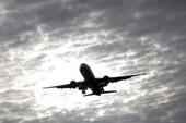 Lo ngại tên lửa Triều Tiên bắn trúng máy bay dân sự