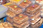 Tác hại của bánh trung thu hết hạn mang tái chế lại