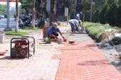 Huế: Phá  hàng rào công viên, mở rộng vỉa hè