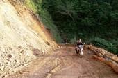 Dọn 12.000 khối đất đá để thông quốc lộ