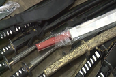 Phát hiện cả kho vũ khí 'nóng' tại cửa hàng tạp hóa