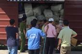 Trinh sát theo đoàn tàu nghi chở hàng lậu về Ga Sài Gòn