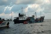 3 tàu nước ngoài bán dầu lậu trên biển