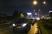 4 ô tô tông liên hoàn trên cầu Tham Lương lúc mưa lớn