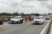 Xe khách gây va chạm liên hoàn trên đường dẫn cao tốc