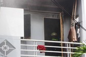 Cô gái nhảy từ lầu 1 của căn nhà đang cháy