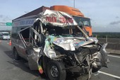 Tai nạn kinh hoàng trên cao tốc, 4 khách bị thương nặng