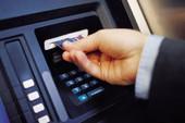 2 người Malaysia dùng thẻ giả rút tiền tại quận 5