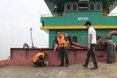 Bắt 4 tàu hút cát lậu trên biển Cần Giờ