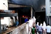 Cháy KCN ở quận 12, hàng trăm công nhân tháo chạy