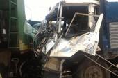 5 xe tải tông liên hoàn, nhiều người bị thương
