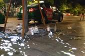 Lễ xong, rác đầy phố đi bộ Nguyễn Huệ