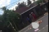 Người đàn bà khỏa thân nằm giữa quốc lộ 1A nghi ngáo đá
