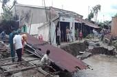 Di dời khẩn 11 căn nhà sau cơn mưa lớn