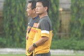 HLV Nguyễn Văn Sỹ từ chối theo đội U23 Việt Nam