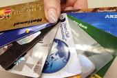 Người trẻ dễ 'sập bẫy' thẻ tín dụng