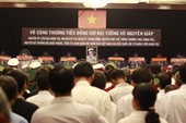 Hàng vạn dân viếng Đại tướng tại Hội trường Thống Nhất