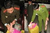 Bắt vụ vận chuyển lậu gần 1 tấn pháo sáng tại Hà Nội