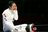 Nữ kiếm thủ xứ Hàn khóc nức nở vì bị thua oan ức