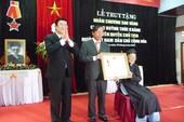 Truy tặng huân chương Sao Vàng cho cụ Huỳnh Thúc Kháng