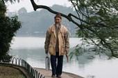 Người thổi tiêu bên hồ Hoàn Kiếm
