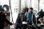 Bù lỗ 400-500 đồng/lít xăng, dầu thay vì tăng giá