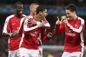 Arsenal nhẹ nhàng lọt vào vòng 16