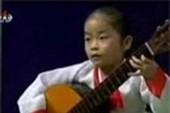 Cô bé Triều Tiên gảy đàn guitar siêu đẳng