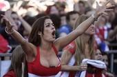 Siêu mẫu Riquelme khỏa thân mừng tân vương World Cup