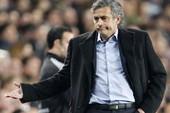 """Báo chí Ý lại """"dập"""" Mourinho tơi bời"""