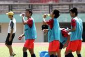 U23 Việt Nam rèn luyện dưới nắng gắt