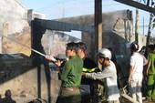 TP.HCM: Cháy lớn ở Công ty gỗ Scansia Pacific