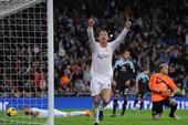 Ronaldo lập cú đúp dành tặng Eusebio