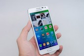 Mở hộp Samsung Galaxy Alpha xách tay giá 11 triệu đồng