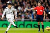 Ronaldo lập hat-trick, Real chạm kỷ lục Barca