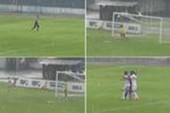 Thủ môn ghi bàn thắng để đời từ khoảng cách 100 mét