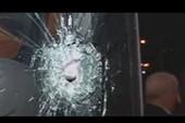Xe bus đội Hertha Berlin bị người lạ tấn công bằng súng