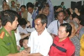Clip đại diện TAND tỉnh Bình Thuận xin lỗi ông Huỳnh Văn Nén