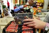 Kẹo sôcôla Snickers bị thu hồi ở 55 nước