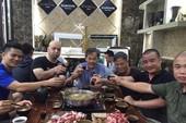 Flores và võ sư Bảo Châu vào quán uống rượu đàm đạo
