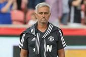 Mourinho nói gì về việc mua bán cầu thủ của MU