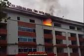Cháy bệnh viện ở Tuyên Quang, nhiều người hoảng loạn