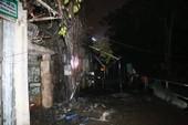 Cột điện nổ tung khiến nhiều người hoảng loạn