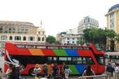 Cận cảnh xe buýt mui trần 2 tầng đầu tiên ở Hà Nội