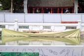 Giếng Thiên Quang - Văn Miếu xuống cấp nghiêm trọng