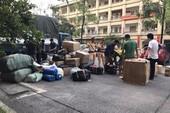 Cả đêm kiểm đếm hàng lậu trên xe tải ở Hà Nội